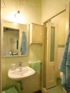 apt zaffiro - bagno con doccia