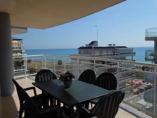 Ref 199.- Amplio, cerca de la playa, con pkg y piscina. Gran terraza con vistas.