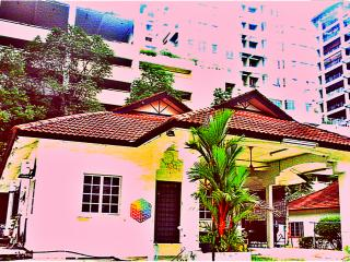 Tropical Living in an Urban Oasis. Backpackers 107, Petaling Jaya