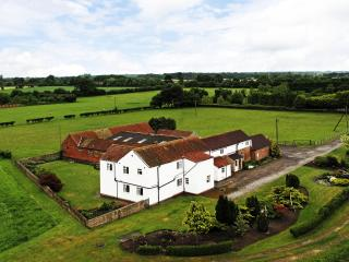Deighton Lodge - Yorkshire Country Farmhouse