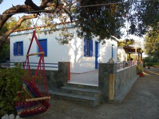 Traditional House in Lesbos island !, Mytilene