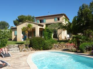 La Ticaso, villa 5 chambres (11 couchages) piscine, Saint-Raphaël