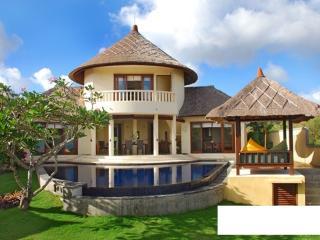 Balinese style 3 bedrooms villa - Villa Frangipani, Ungasan
