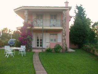 Villa Rosa -- 150 meter from the beach, A/C, Budoni