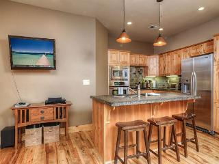 Trailside 3BR in Truckee with Luxury Touches