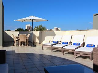 Moura Praia, CD 88, with private roof terrace
