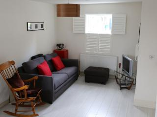 Modern 1 Bed Apartment Ideal For Rugby World Cup, Hampton Hill