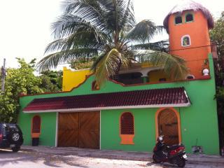 Private Studio 2, 5 Blocks from the beach, Playa del Carmen