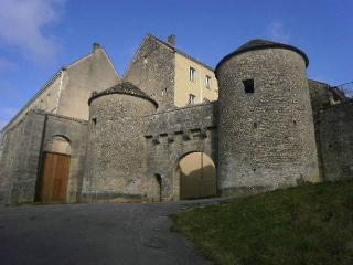 Location Chambre d'hôte Flavigny-sur-ozerain, Flavigny-sur-Ozerain
