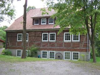 Vacation Apartment in Hösseringen - 1399 sqft, child-friendly, wireless internet, large property (#…, Suderburg