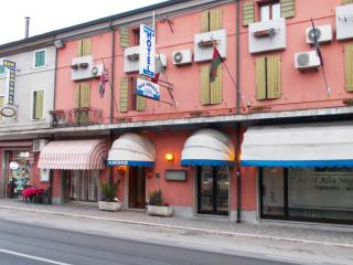 hotel alla nogara camera 112, Nogara