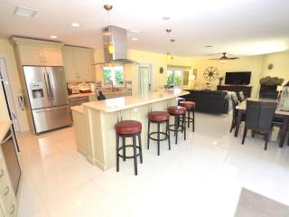 Beautifully Updated Kitchen (Fully Equipped) Offers Spectacular Granite Dining Counter For Five (5)