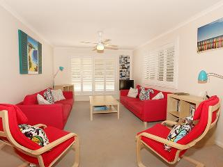 Unit 1/43 Mudjimba Esplanade, Mudjimba, Pet Friendly, BOND $500