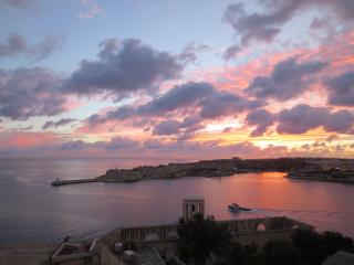 Harbour Master Apartment - Best View in Valletta, La Valeta
