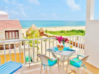 Beautiful 2BR Suite with partial view of the Ocean -Corales