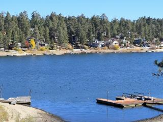 Boulder Bay Cove Lakefront: Dock! Spa! Foosball!, Big Bear Lake