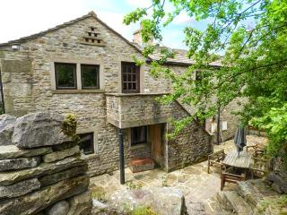 THE DAIRY, pet friendly, character holiday cottage, with a garden in Starbotton, Ref 5694