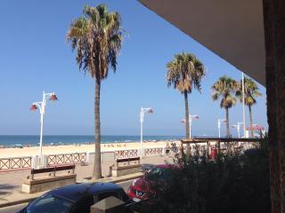 Alojamiento primera línea de playa, Cádiz