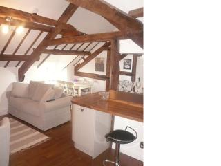 First Floor Open Plan Apartment In Barn Conversion, Clehonger