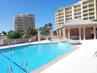 Easy to Book Condo with everything you need for a Beach Vacation!