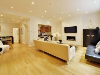 Stunning Bayswater Hyde Park Flat PRIME LOCATION, London