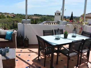 4 bedroom Penthouse with views by Puerto Banus, Marbella