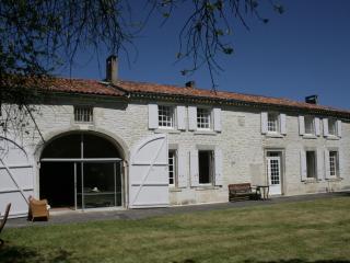 maison de ville avec terrasse, Ars