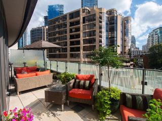 Peaceful Oasis in the Heart of Beautiful Yorkville