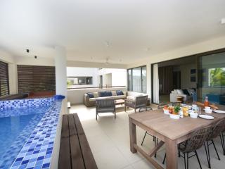 5* apartment w private beach access - AO FF, Grand Baie