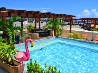 Budget Aldea Thai Penthouse Mamitas / Private Pool/ MANY UPGRADES
