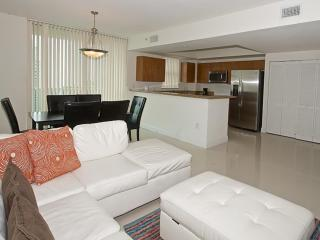 Minimal 2 Bedroom Apartment in Brickell, Miami