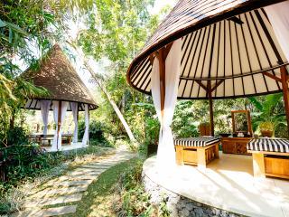 Villa Simona Oasis - an elite haven, 5BR, Canggu