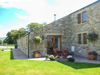 COPPA HILL BARN en-suite facilities, magnificent views, luxury cottage in Ingleton Ref 30826