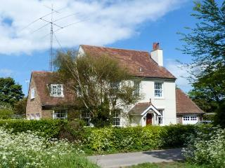 ROSEMOUNT, semi-detached, woodburner, lawned garden, walks from door, in Whitfield, Ref 921386