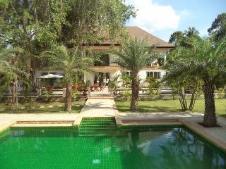 Super Luxury 11BR Villa!, Pattaya