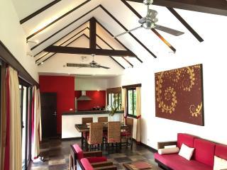 Villa Pakariq  at Bang Kao Tropical