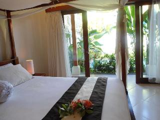Beautiful 2 bed /pvt pool easy walk to everything, Sanur