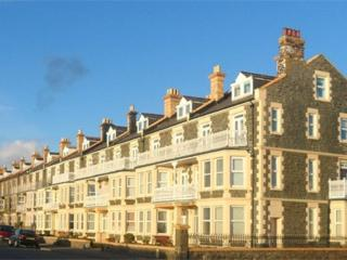 17 Trem Enlli is a homely 2 bed seafront apartment in Tywyn