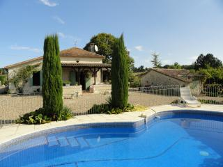 Tremblier - private pool and fantastic views, Saint Pardoux-Isaac