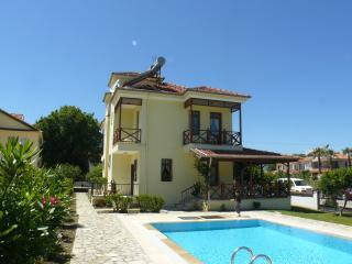 Lemon Tree  2bedroom villa with shared pool&garden, Dalyan