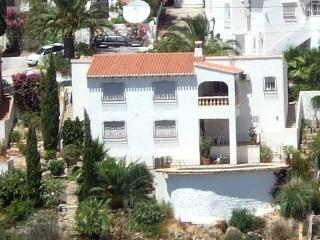Apartment with private pool & wonderful views, Orba