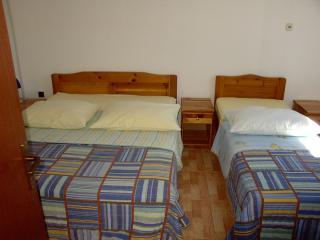 Pansion Jadranka je apartmanska kuća.