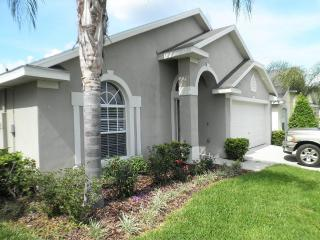 8 Miles to Disney, Luxury Linens, Bbq, Immaculate, Orlando