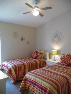 2 Singles bedroom with ceiling fan
