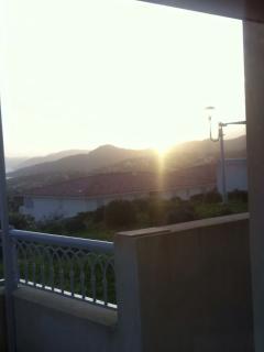 Lever du soleil depuis le séjour et terrasse