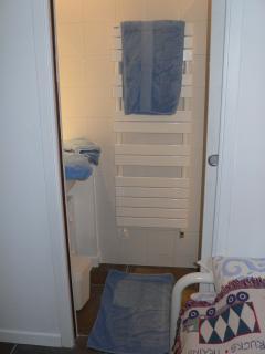 Room 2 Nantucket  shower room