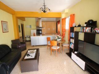 Casa con piscina y jardín, El Albir