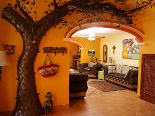 Beautiful 2 bedroom casa with pool and views, Ajijic