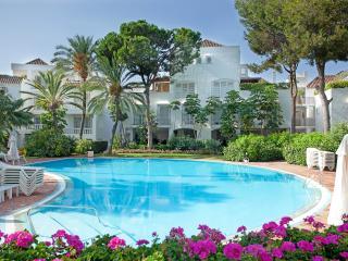 White Pearl beach elviria, Marbella