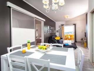 Bridge Apartment Dubrovnik - Dining room